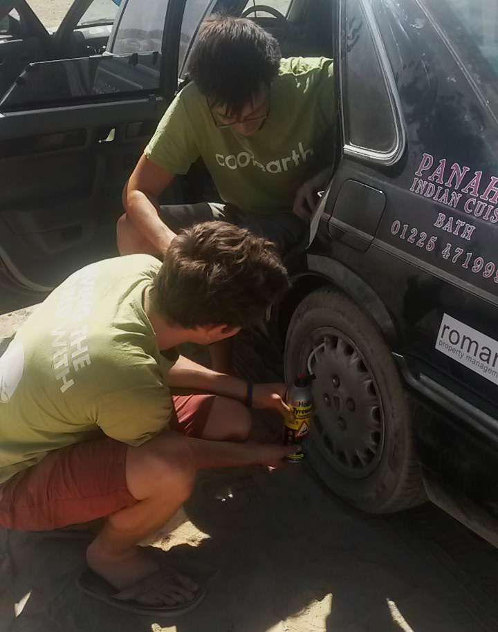 tyre-weld-repairing-tyre-on-the-road-kazakhstan-rover-827-si-regency-limousine
